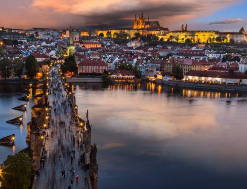 Prag Moldau: ein Fluss in der Hauptstadt von Tschechien