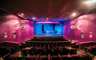 WOW Black Light Theater in Prag Tickets, Preise, Adresse und Öffnungszeiten